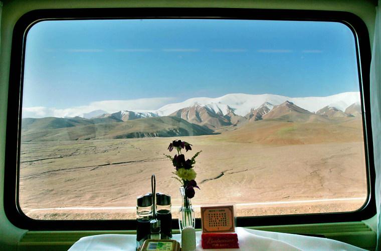 Image: Aboard the Beijing-Lhasa Express