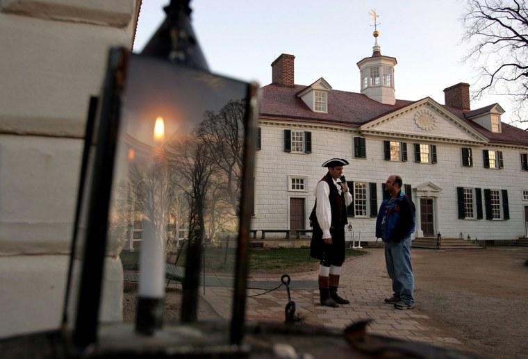 Mount Vernon Prepares For Christmas