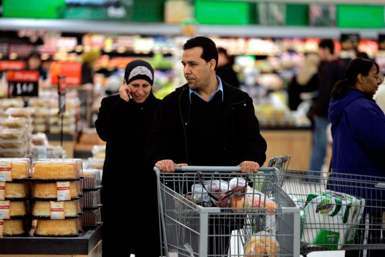 Image: Wal-mart in Dearborn catering to Arab-Americans