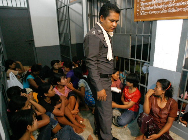 Image: Myanmarese illegal migrant workers
