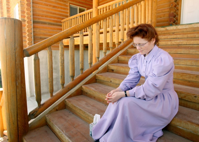 Image: Female member of the FLDS Yearning For Zion community, near Eldorado,Texas
