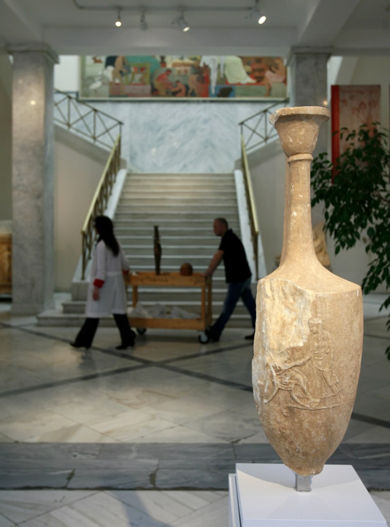 Image: Ancient urn returns to Greece