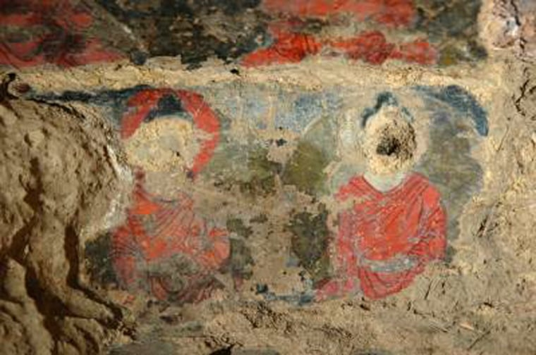Image: Painting in cave