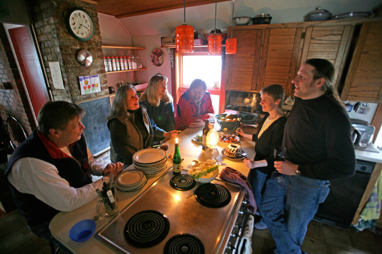 Image: candleight dinner in Juneau