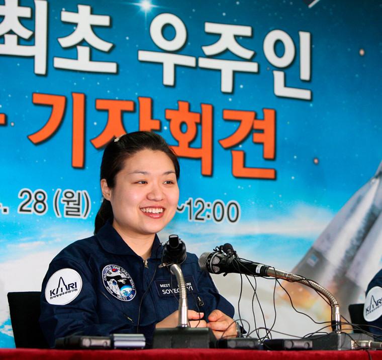 Image: South Korean astronaut Yi So-yeon returns home
