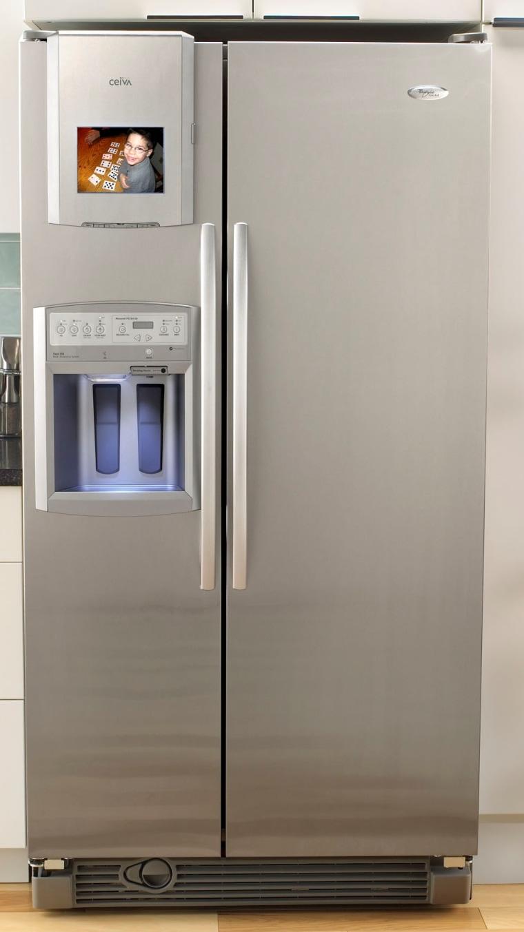 Image: Whirlpool centralpark refrigerator with Ceiva digital photo frame