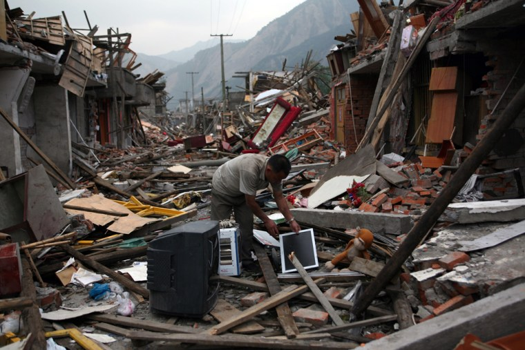Image: Death toll rises as rescue efforts continue