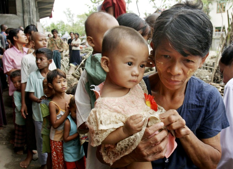 Image: Cyclone victims in Myanmar