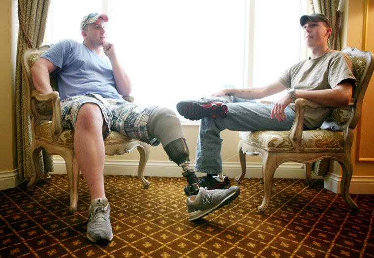 Image: Vets relax in Las Vegas