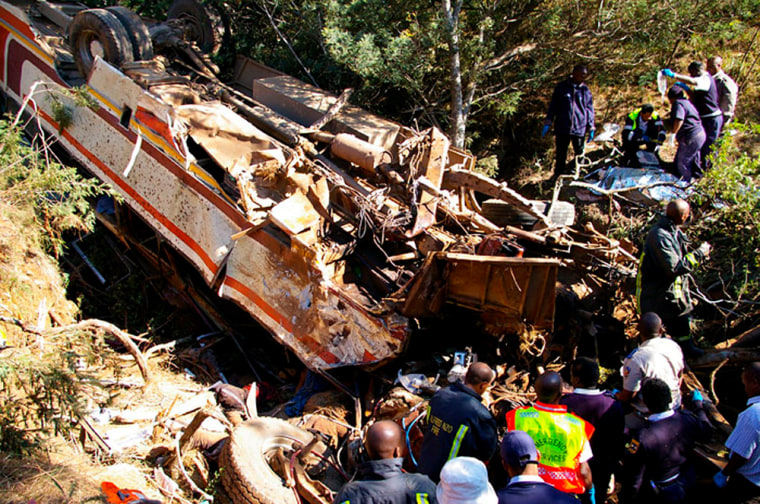 Image: Wreckage of a bus near Cedarville in South Africa