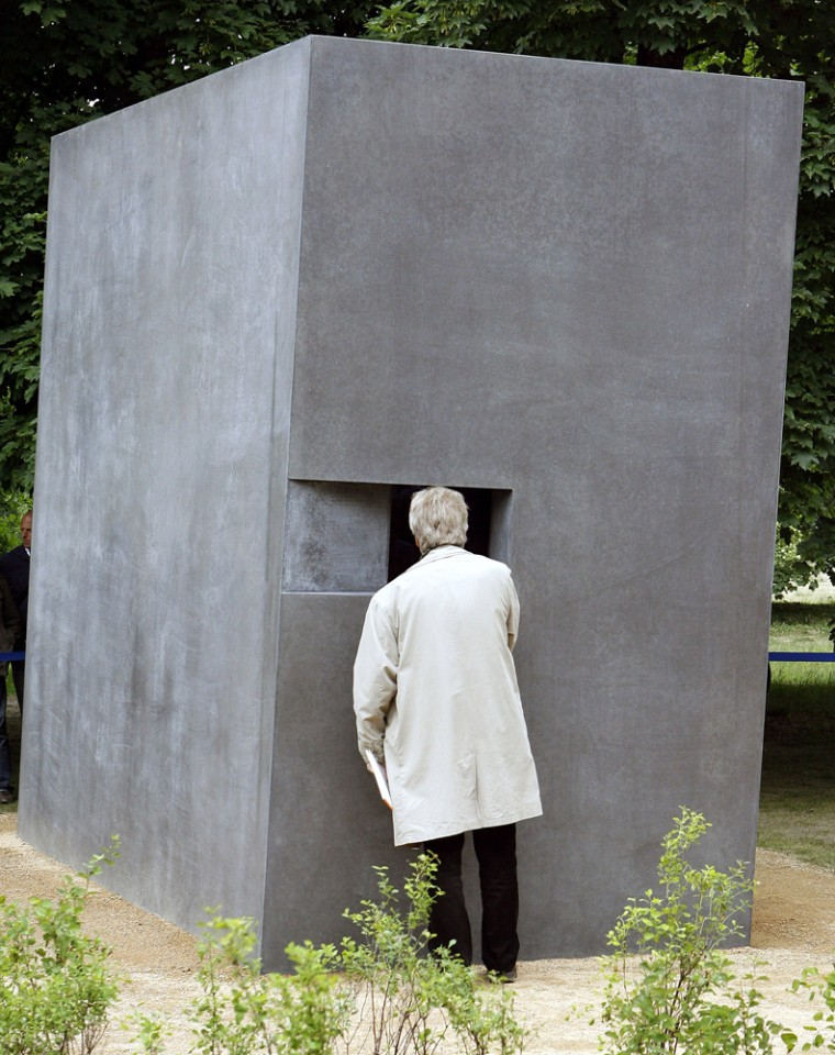 Image: Memorial for homosexual victims of persecution by Nazi regime