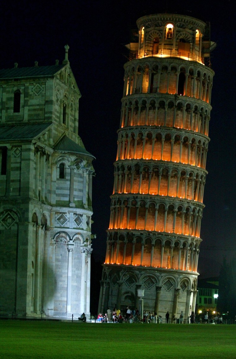 Image: leaning tower of Pisa
