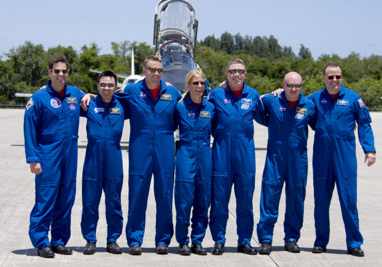 Image: USA Shuttle Discovery Crew arrive At Kennedy Space Center Florida