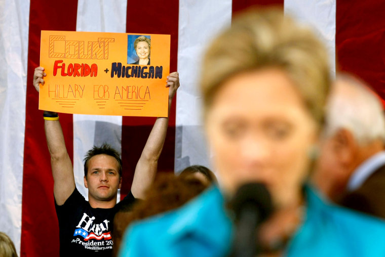 Iamge: Hillary Clinton campaigns in Florida