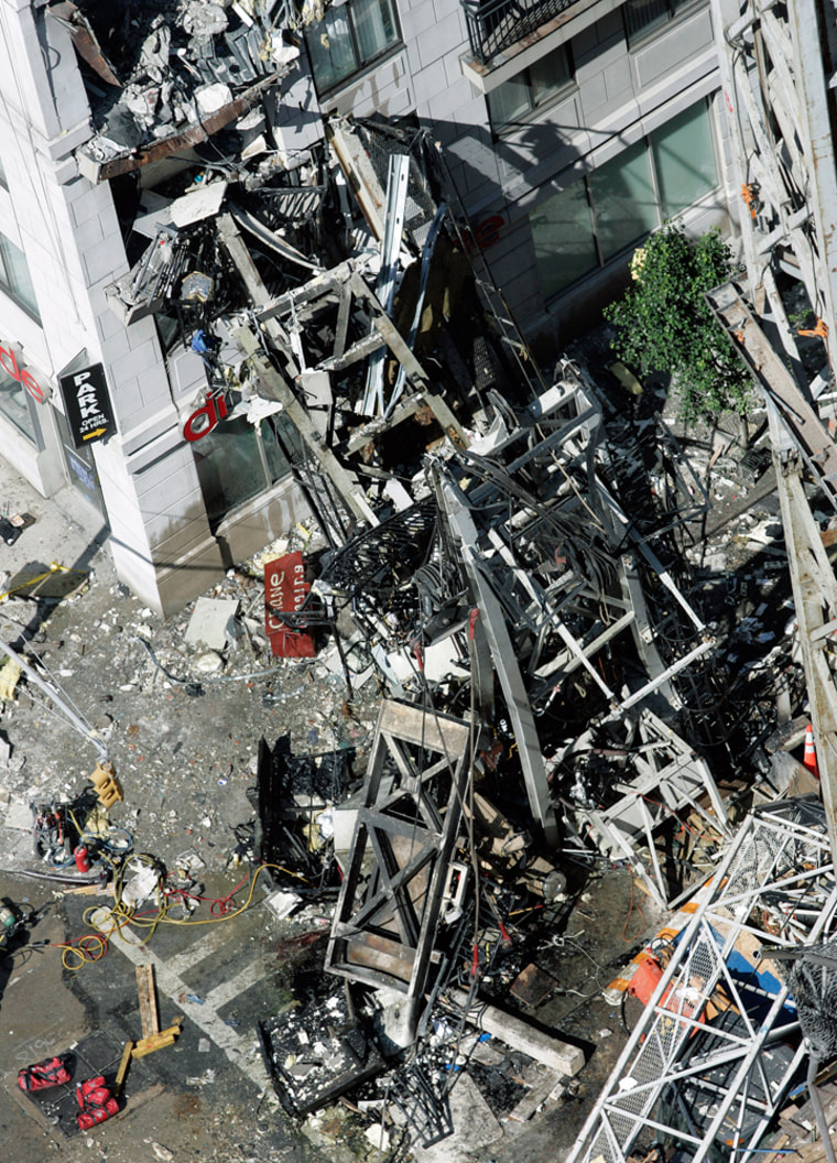 Image: Site of a crane collapse at 91st Street and First Avenue in New York