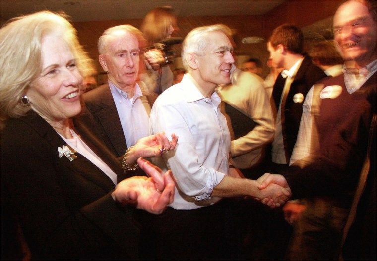 Wesley Clark Campaigns In New Hampshire