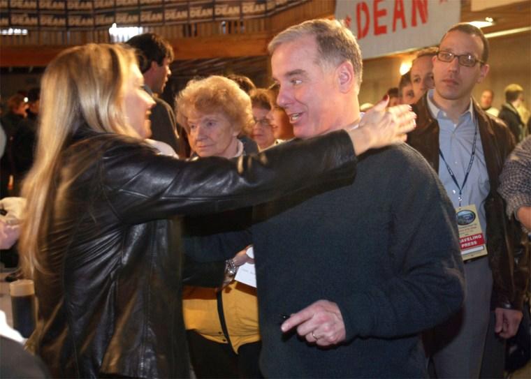 Governor Dean Kicks Off Iowa Bus Tour