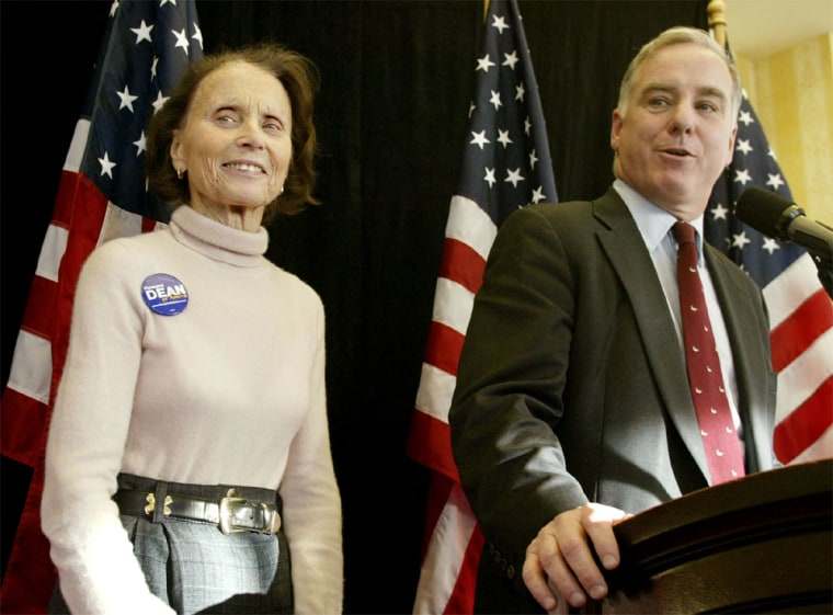 HOWARD DEAN INTRODUCES HIS MOTHER AT NEWS CONFERENCE IN NEW HAMPSHIRE