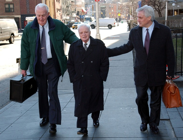 RIGAS OF ADELPHIA ARRIVES AT FEDERAL COURT IN NEW YORK WITH LAWYERS