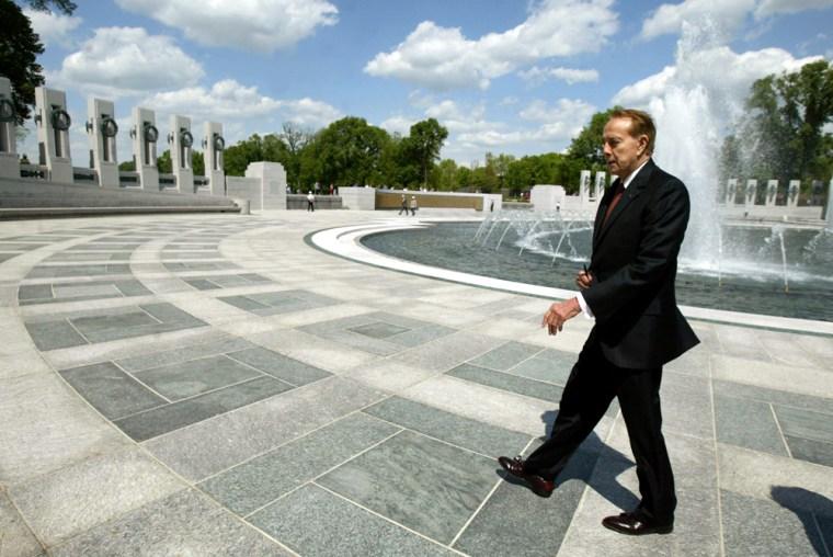 Congressional Veterans Visit World War II Memorial