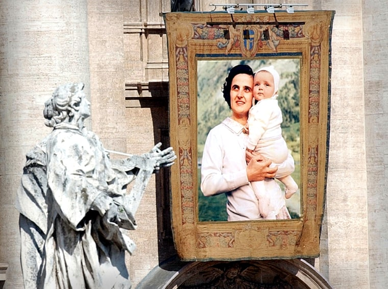 A view of the tapestry of Italian pediatrician Gianna Beretta Molla, who was named a saint with five others by Pope John Paul IIat the Vatican onSunday.