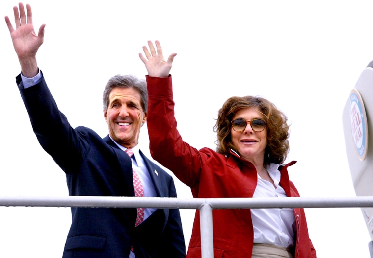 """Kerry Continues """"Americas Freedom Trail"""" Campaign Tour"""