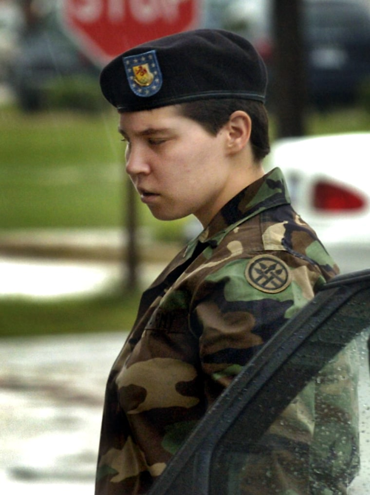 Lynndie England Hearing Resumes In Fort Bragg