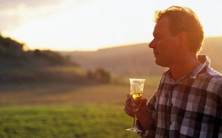 Image: Wine tasting