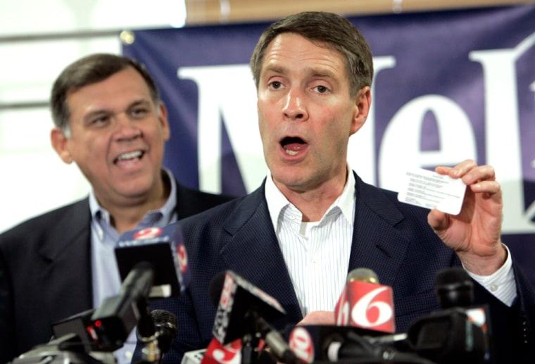 Florida U.S. Senator-elect Mel Martinez and  Senator Bill Frist at news conference