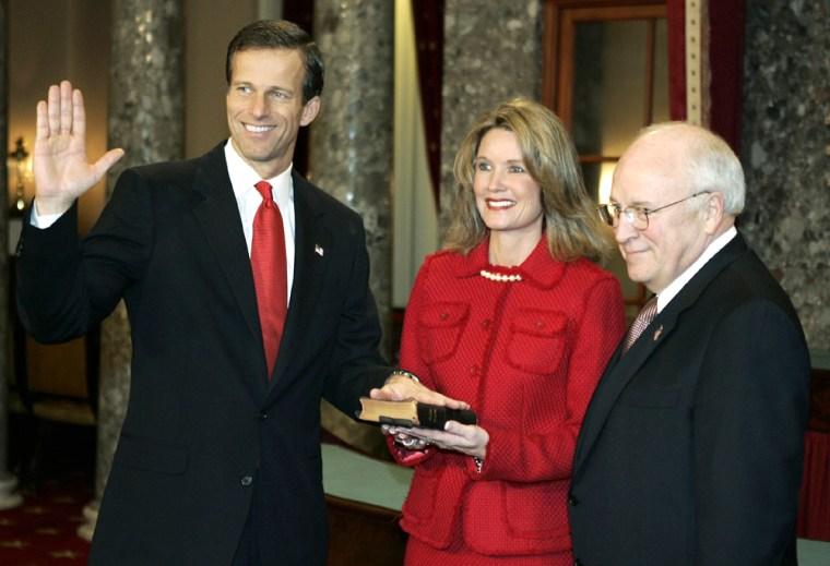 U.S. Senator John Thune of South Dakota is sworn-in by U.S. Vice President Dick Cheney on Capitol Hill in Washington, January 4, 2005.   REUTERS/Jason Reed