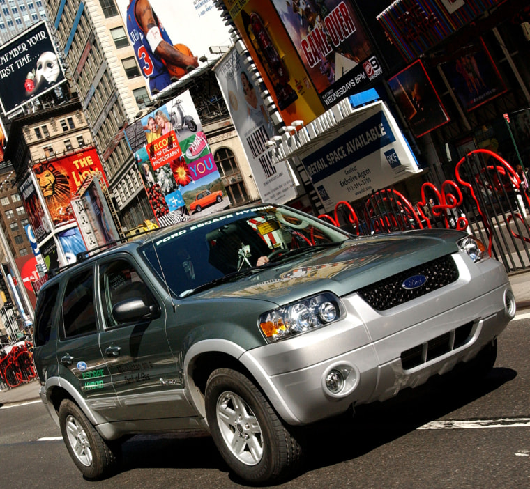 Ford Escape Hybrid Travels New York City on One Tank of Gas