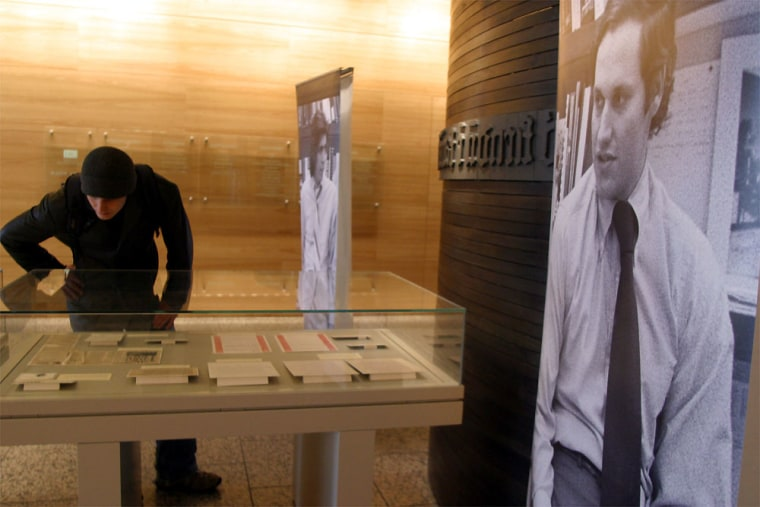 Woodward And Bernstein's Watergate Papers Go On Display