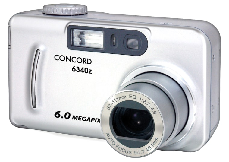 Looks can be verydeceiving.This Concord 6MP camera is a lot lighter and smaller than it looks in the photo.
