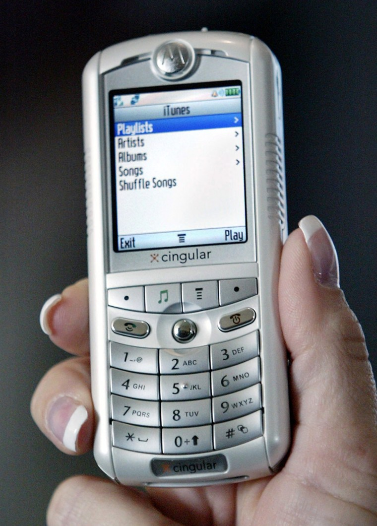 New ROKR cell phone which plays iTunes
