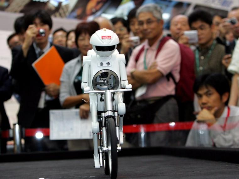 BICYCLE RIDING ROBOT