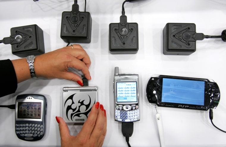 MEDIS TECHNOLOGIES RUSH BLACKBERRY PALM TREO 650 NINTENDO GAMEBOY SONY PLAYSTATION