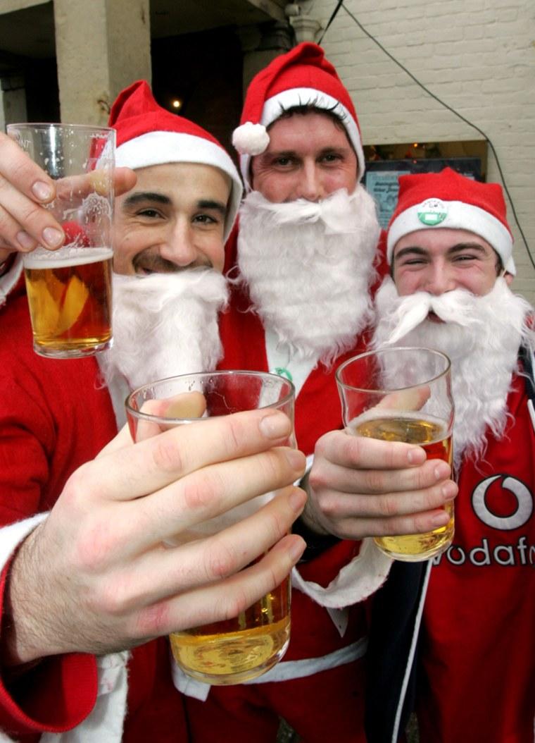 Santa Fun Run Held In Newtown
