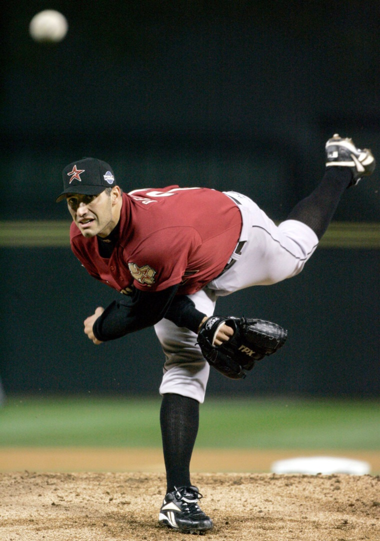 Houston Astros starting pitcher Pettitte delivers pitch to the Chicago White Sox in Game 2 of the World Series in Chicago