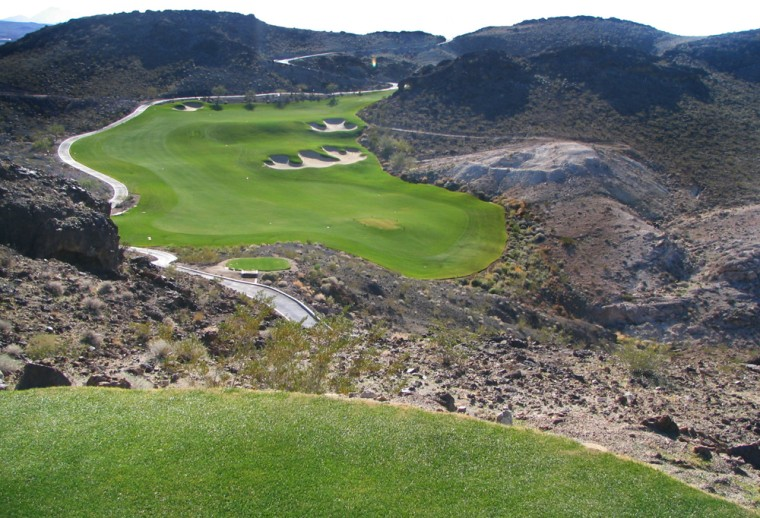The dramatic drops of The Falls can help lure your golf-addicted partner to Las Vegas.