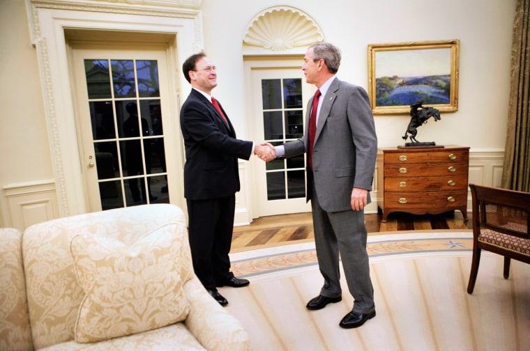 President Bush Has Breakfast With Samuel Alito