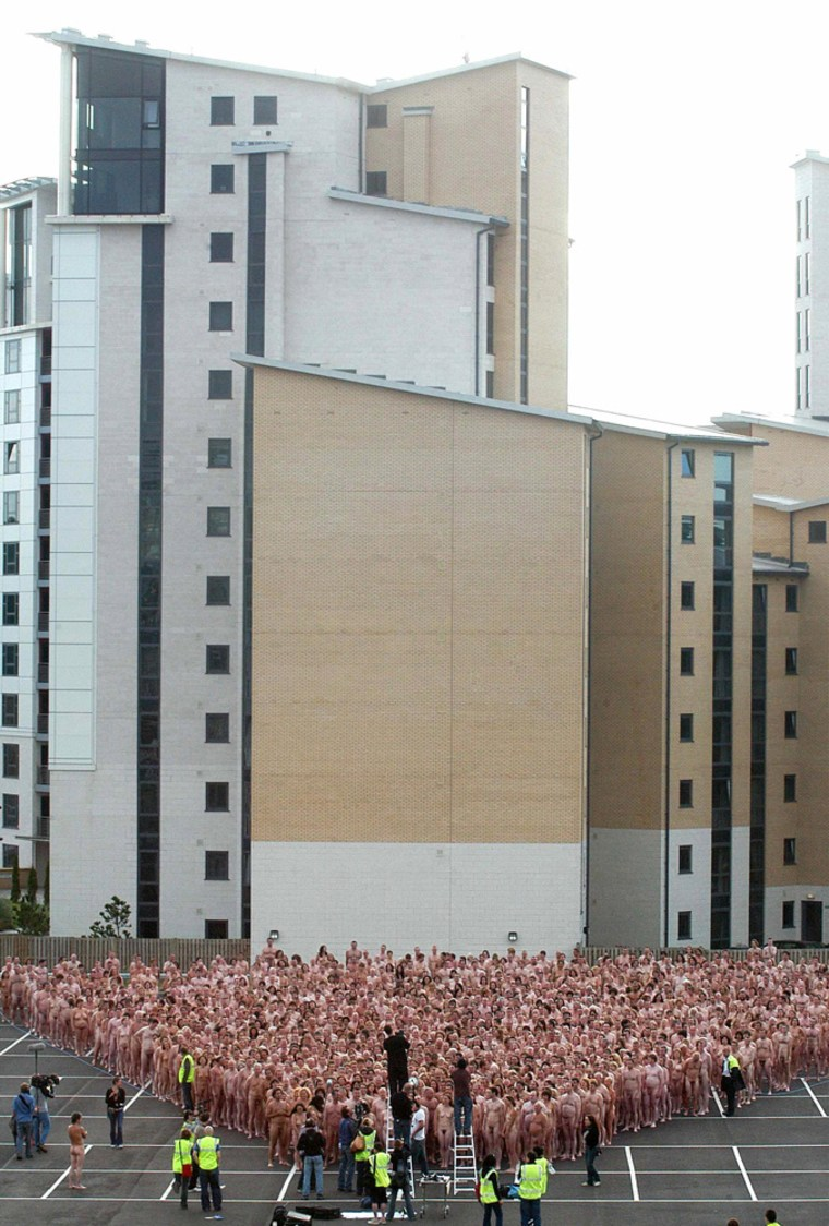 US photographer Tunick photographs around 1,700 nudes in Newcastle northern England