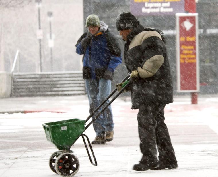 MAINTENANCE WORKER IN DENVER SNOW
