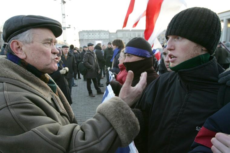 A supporter (l° of Belarus' President Al