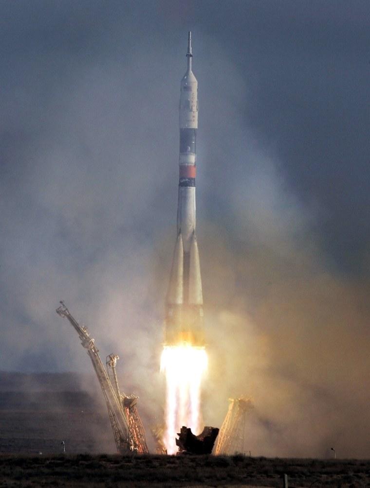 Russian Soyuz TMA-7 space vehicle caryin