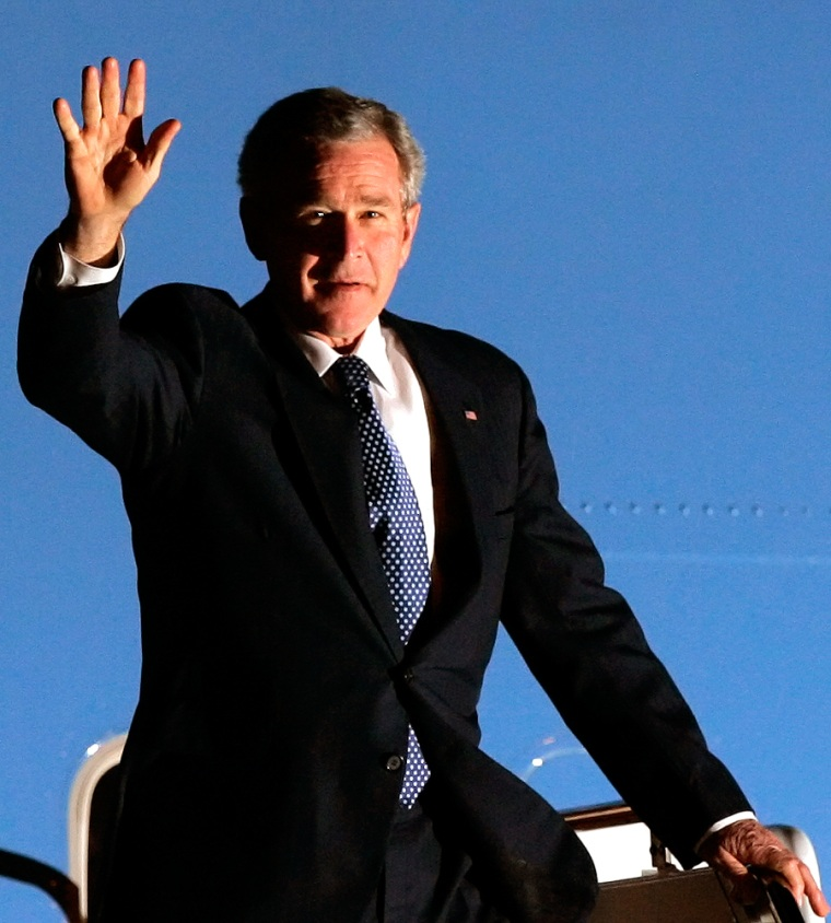 President Bush arrives in Cancun, Mexico, on Wednesday night.