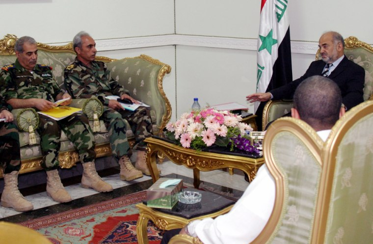 Iraqs PM Jaafari is meets Iraqi army officers in the heavily fortified Green Zone area in Baghdad