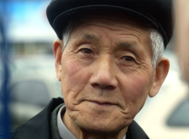 Ishinosuke Uwano, 83, a former Japanese soldier who had been declared among Japan's war dead in 2000,appeared Tuesday at Kiev's Boryspil airport, Ukraine, before his flight to Japan.