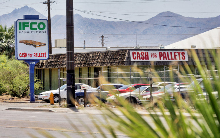 An IFCO Systems plant in Phoenix was one of several sites where immigration agents arrested executives and hundreds of employees on Wednesday in an effort to curbillegal immigration.
