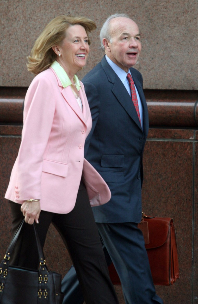 Former Enron Chairman Ken Lay and wife Linda arrive at Federal court April 24, 2006.