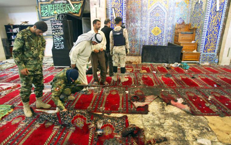 Shoe Bomber Kills 10 at Shiite Mosque